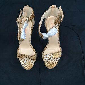 Shoe Republic La Size 8 Leopard Print Heels NEW